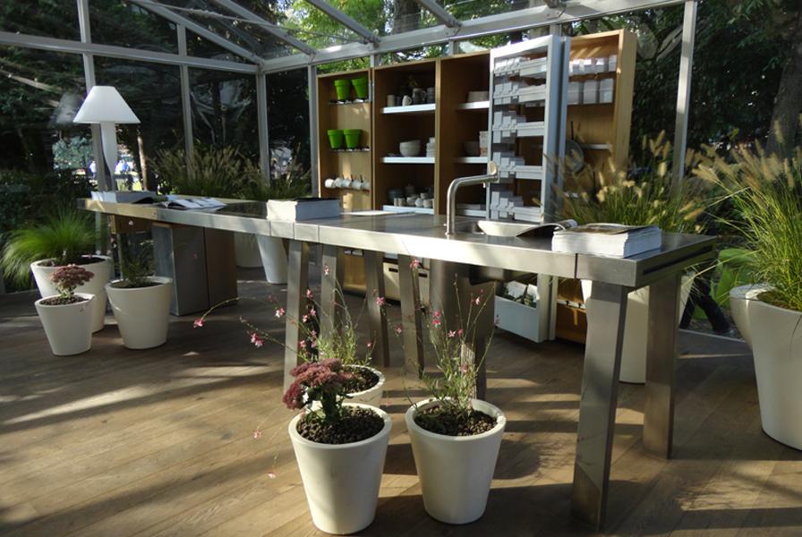 Cucina con vista giardino verdearchitettura - Cucina da giardino ...