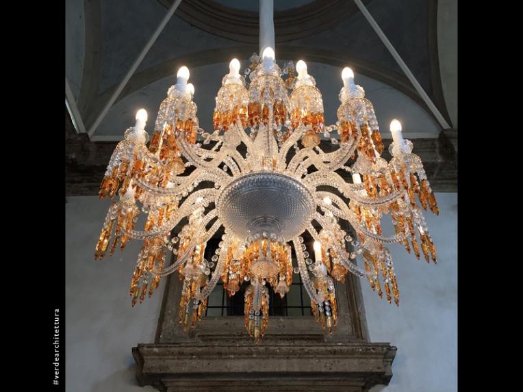 Va_10_baccarat chandelier